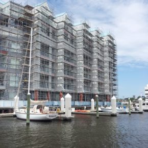 Projects  |  Condos on the Water  |  Custom Built Scaffold  |  Wall Access
